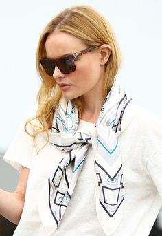 Kate Bosworth in an easy fash win: Neck Scarves