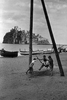 1952 - Cartier Bresson - Spiaggia Ischia