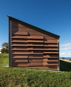 Timber louvres on the exterior hint at a time when itinerants would sleep on farm verandahs.