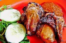 Masakan ayam goreng tentunya sangat akrab di meja-meja makan keluarga. Namun, tidak semua jenis menu ayam goreng dapat kita temukan di rumah karena hanya disajikan di restoran. Nah, berikut ini Si ...