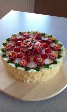 Sandwiches, Sandwich Cake, Entree Festive, Meat Cake, Party Platters, Salty Cake, Food Decoration, Antipasto, Savoury Cake