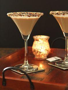 Bailey's Salted Caramel and Espresso Martini | http://www.creative-culinary.com