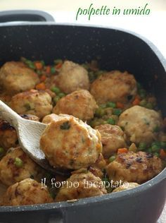 with quark soft meatballs the enchanted oven Meat Recipes, Dinner Recipes, Cooking Recipes, Dinner Ideas, Kebabs, Italian Dishes, Italian Recipes, I Love Food, Good Food