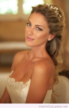 Updo with pearl headband and natural makeup for wedding