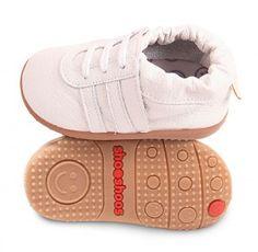 White smileys sports shooshoos smileys Smileys, Baby Shoes, Baby Boy, Range, Sports, Kids, Fashion, Zapatos, Bebe