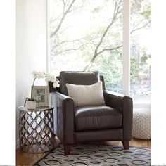 Whether you're looking for a comfy place to relax, or want to add a stylish accent to your living space, Urban Barn has your ideal chair. Interior Design Living Room, Interior Decorating, Room Interior, Mezzanine Bed, Aluminum Table, Urban Barn, Woman Cave, Club Chairs