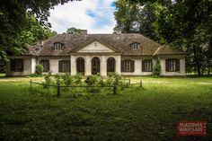 Nowa Sucha Muzeum Architektury Drewnianej Regionu Siedleckiego Manor Houses, Old Houses, Eastern Europe, Castles, Palace, Mansions, House Styles, Poland, Palaces