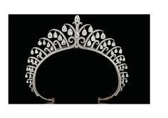Art Deco tiara by Cartier, 1920s. I would SO love to see how the diamond drops move when worn.