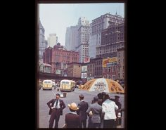 Not Exactly this morning ...and not Brooklyn BUT ...this is great. VINTAGE PHOTOS: Take A Tour Of Manhattan In The 1940s