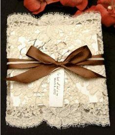 Dicas de papel e renda para os convites de casamento simples