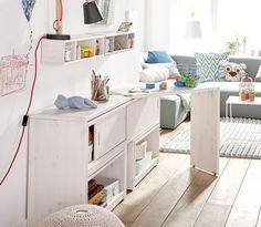 On découvre la table pivotante, une idée géniale parmi les meubles abordables multi-fonctionnels et adaptés aux petits espaces.