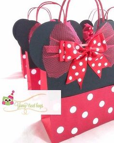 Minnie Mouse Party Bathroom Decoration bathroom decorating ideas on a budget Minnie Mouse First Birthday, Red Minnie Mouse, First Birthday Gifts, Mickey Mouse Birthday, Fiesta Mickey Mouse, Minnie Mouse Party Decorations, Mickey Mouse Parties, Mickey Party, Mini Mouse Baby Shower