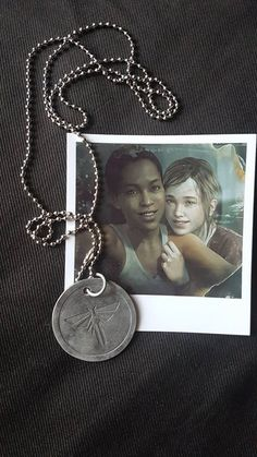 The last of Us - Left Behind Abel Riley's Firefly Dogtag & Ellie Polaroid Last Of Us, Beyond Two Souls, Fullhd Wallpapers, The Lest Of Us, Edge Of The Universe, Future Days, See You Around, Bubbline, Gurren Lagann