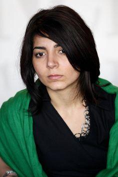 Hana Makhmalbaf (1988) Teherán, Irán. Filmografía: http://www.filmaffinity.com/es/search.php?stype=director&stext=Hana+Makhmalbaf
