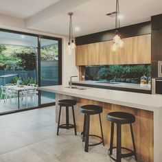 Caesarstone Sleek Concrete kitchen by bighouselittlehouse and K2 Projects
