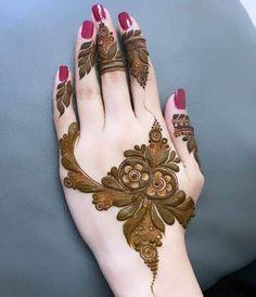 Best Bridal Mehndi Artist in Jaipur, Jaipuri Mehandi Design For Wedding Henna Hand Designs, Dulhan Mehndi Designs, Kashee's Mehndi Designs, Mehndi Designs Finger, Modern Henna Designs, Latest Henna Designs, Arabic Henna Designs, Stylish Mehndi Designs, Mehndi Designs For Beginners