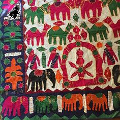 Oh those desert colours  @treeoflife #applique #handmade #India #Rajasthan #elephants #motifs #desert #boho #bohemian #bohome #gypsy #interiors #wallhanging #treeloves