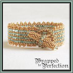 Gold & Aqua Bracelet / Peyote / Bangle / door WrappedToPerfection