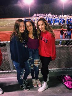 friday night lights at Oceanside. Best Friend Pictures, Bff Pictures, Cute Photos, Friend Pics, Polaroid Pictures, Bff Goals, Best Friend Goals, Squad Goals, Cute Friends