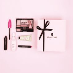 Fancy receiving 5 beauty treats every month, beautifully wrapped and delivered to you in a gorgerous box? Of course you do! Use my exclusive code and you'll get £5 off the July GLOSSYBOX, with a special summer design this month!