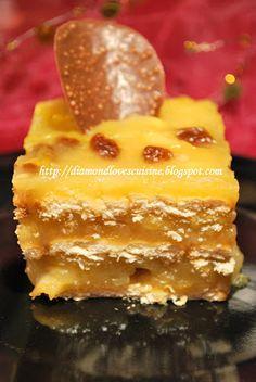 Diamond Cuisine!: Prajitura cu mere (de post) - Visul copilariei My Recipes, Vegan Recipes, Dessert Recipes, Cooking Recipes, Romanian Food, Romanian Recipes, Vegan Sweets, I Foods, Deserts