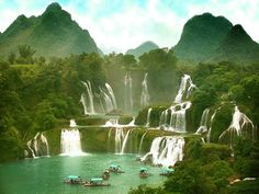 Ban Gioc Falls, the world's largest cross-border waterfall on the border between Vietnam and China Places Around The World, Oh The Places You'll Go, Places To Travel, Places To Visit, Around The Worlds, Vietnam Voyage, Vietnam Travel, Asia Travel, Hanoi Vietnam