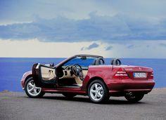 2004 Mercedes-Benz Slk 320 | Автомобиль Mercedes-Benz SLK 320 R170 at http://www.windblox.com/ #mercedes #windscreen
