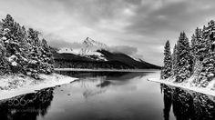 Maligne Lake II by dertman