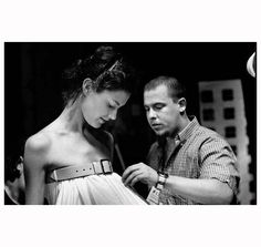 Shalom Harlow and Lee McQueen before his show (1998)