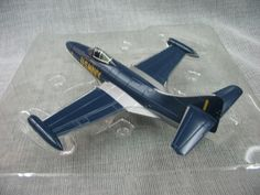 (44.00$)  Watch now - http://ain4l.worlditems.win/all/product.php?id=32623652660 - rare Falcon 1:72 F9F-5 l Jaguar fighter model Blue Angels demonstration team 1 Favorites Model Holiday gifts
