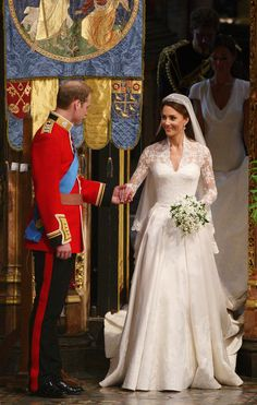 Prince William, Duke of Cambridge and Catherine, Duchess of Cambridge prepare to leave Westminster Abbey following their marriage ceremony, on April 29, 2011 in London, England.