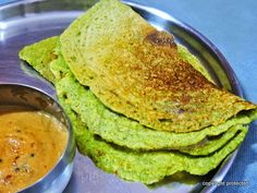 Start your mornings with this protein-packed #Pesarattu #dosa.