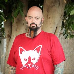 Jackson Galaxy rocks a CTM shirt for a recent photo shoot :)   www.catteemission.com