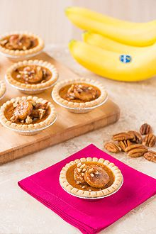 Our friends over at Chiquita have a delicious recipe for you to try...Mini Pumpkin Pies with Caramelized Chiquita Bananas!