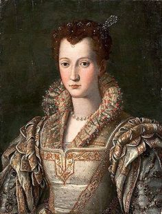 Eleanora of Toledo, love this dress, wish it showed all of it.