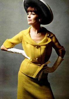 L'Officiel March 1965  Deux-pieces by Grès , hat Rose Valois  Photo Philippe Pottier