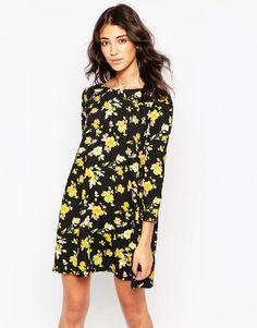 Motel | Motel Patsy Dress with Lace Up Back in Floral Fever at ASOS