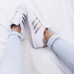 these are so gorgeous! I'm not one to like the adidas trend but i love the gold :)