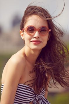 db69cc3565a Lookbook  Up On the Roof Funky Glasses