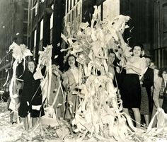 May Office workers celebrated V-E Day in high style with confetti at Franklin and Devonshire streets in Boston. Global Conflict, Celebration Around The World, Mystery Of History, Mans World, World War Two, Old Photos, American History, Wwii, Victorious