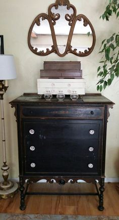 Vintage at home Bluebird Vintage, Blue Bird, Vanity, Bedroom, Antiques, Furniture, Home Decor, Dressing Tables, Antiquities