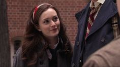 I don't know about you but I really miss Gossip Girl. full of incredible fashion, plot twists, and of course Blair Waldorf headbands. AKA: The greatest of all hair accessories. Gossip Girls, Gossip Girl Blair, Blair Waldorf Aesthetic, Blair Waldorf Style, Blair Fashion, Gossip Girl Fashion, Blair Waldorf Headband, Leighton Marissa Meester, Calvin Klein Euphoria