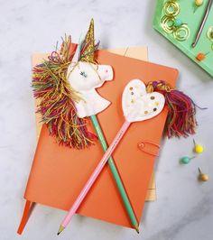 DIY Topper Licorne en Feutrine - un tutos si adorable et facile à faire, pour décorer des cupcakes d'anniversaire licorne, pailles ou crayons! via BirdsParty.fr @birdsparty