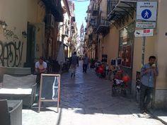 In giro per Palermo: Area pedonale, via Maqueda