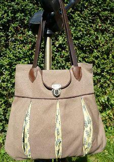 Rum, Handbag Patterns, Old Jeans, Denim Bag, Fabric Bags, Cool Fabric, Pdf Sewing Patterns, My Bags, Bucket Bag