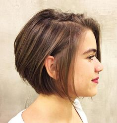 Side-Parted Chin-Length Bob for Fine Hair Take a look at this cute chin-length bob! The organized messiness up top combined with a small side part makes for a modern and sophisticated cut. A few well-placed dark blonde highlights complete the look. Bob Haircut For Fine Hair, Bob Hairstyles For Fine Hair, Short Bob Haircuts, Wedding Hairstyles, Men's Hairstyle, Formal Hairstyles, Chin Length Haircuts, Medium Hairstyles, Braided Hairstyles