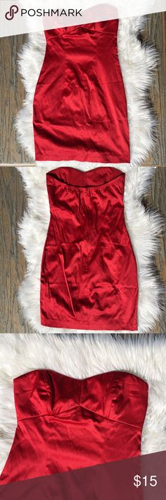 Red dress Item: Forever 21 dress Color: Red Size: SMALL  Condition: Preloved. I good condition. Has zipper and lock in the pack. Top part is also stretchy. Has built in cups. No rips or tears.  No trades. Forever 21 Dresses