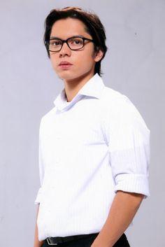 Carlo Aquino #carloaquino Asian Celebrities, Hot Hunks, Heart Eyes, My Idol, Fangirl, Bae, Model, Tops, Fashion