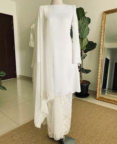 Dream Wedding Dresses, Wedding Gowns, Malay Wedding, Muslim Fashion, Kebaya, Bliss, Wedding Ideas, Fashion Outfits, Inspiration