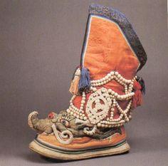 A colorful pair of Tibetan boots. 19th c. (Bata Shoe Museum)